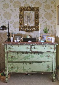 distressed-furniture-dresser_05