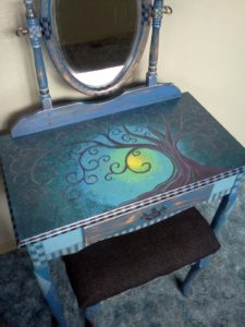 hand-painted-furniture04