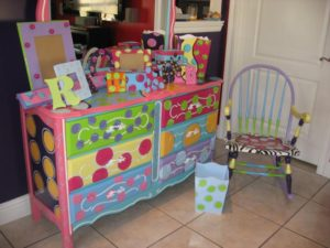 hand-painted-furniture15