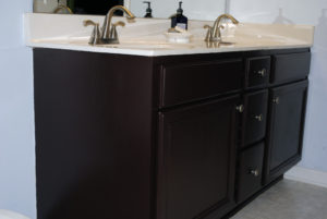 painted-bathroom-cabinets-01-39