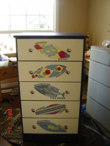 painted-furniture_chest_11