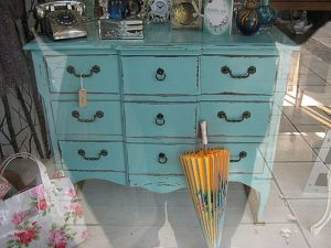 painted-furniture_chest_16