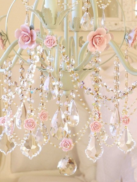 shabby-chic-chandeliers01